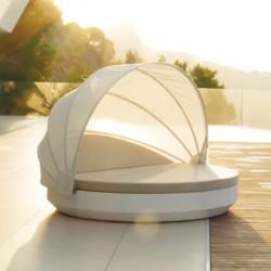 Sunbathing Vela Daybed Vondom white mast tilt round umbrella